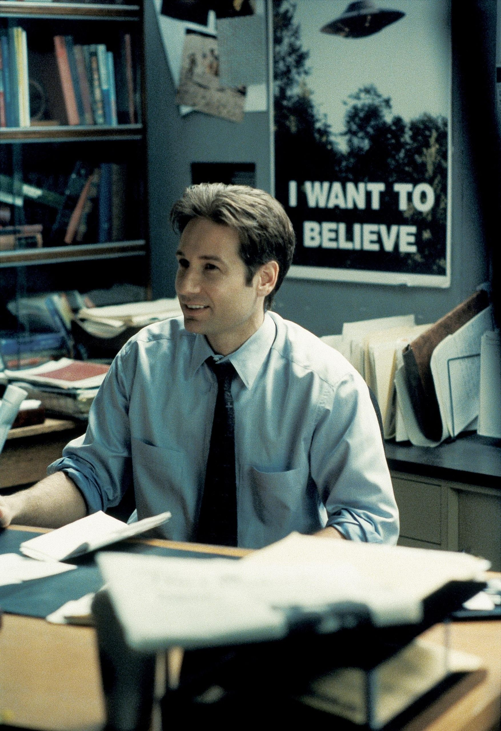 Agent Fox Mulder, from the X-Files. He just needs a new ...