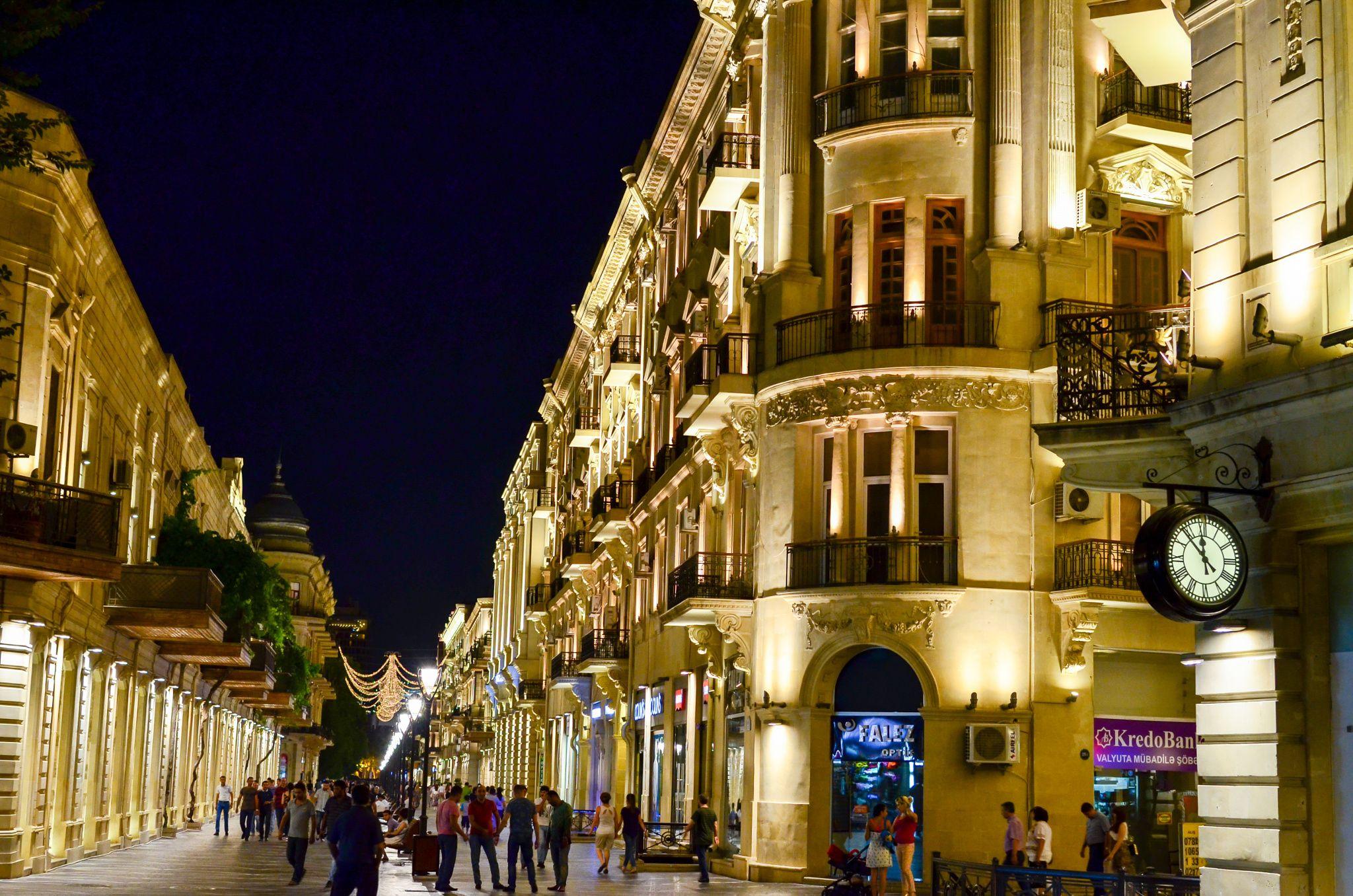 Tarqovi Baku Tarqovi The Shopping District Of Baku Is Probably One Of The Walking Tour Ferry Building San Francisco Photography Tours