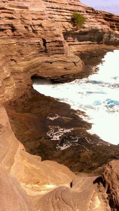 Spitting cave on left side