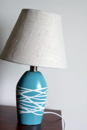 Before After Lamp Receives The Raffia Treatment Painting Lamps Spray Paint Lamps Blue Lamp