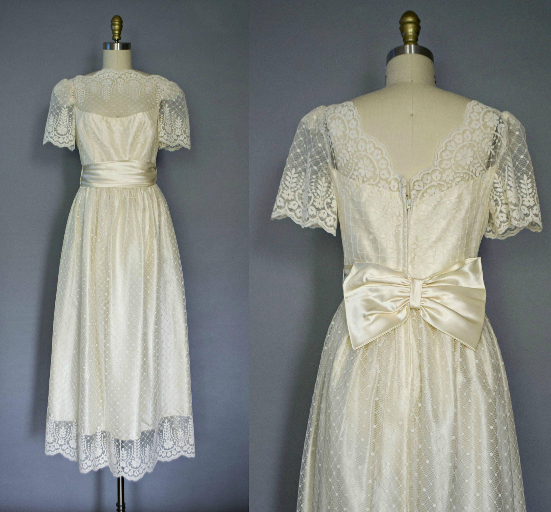 Vintage cream lace boho beach wedding dress tea length sheer