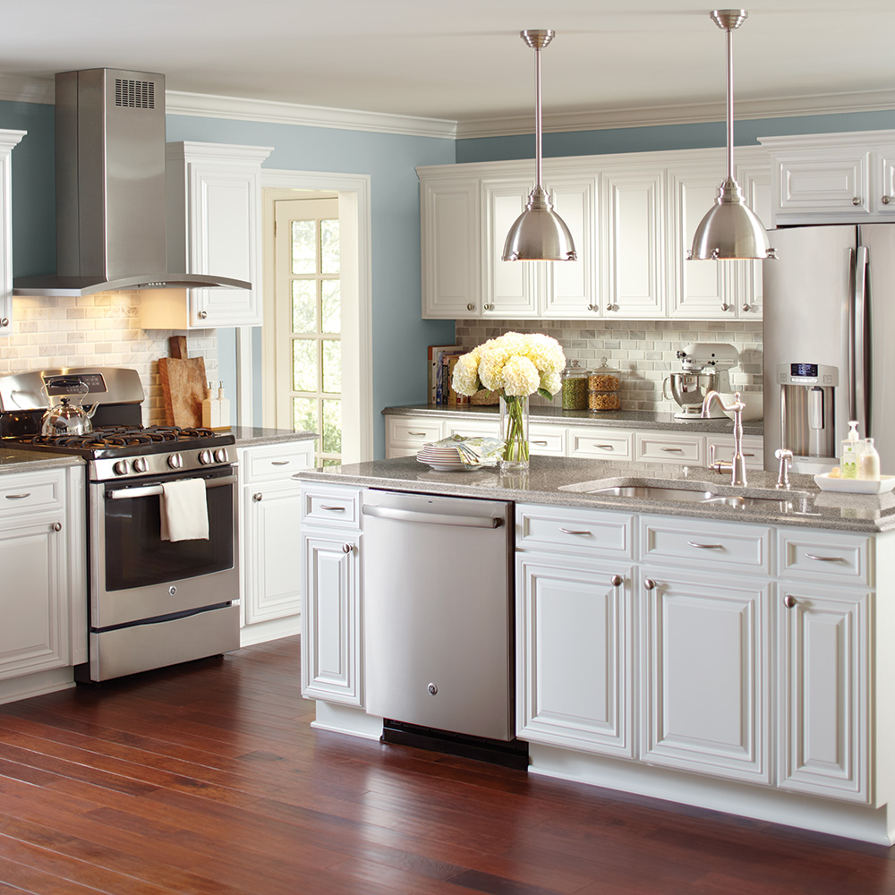 Update Your Kitchen And Avoid A Complete Kitchen Remodel By Keeping Your Existing Cab Solid Wood Kitchen Cabinets Replacing Kitchen Cabinets Home Depot Kitchen