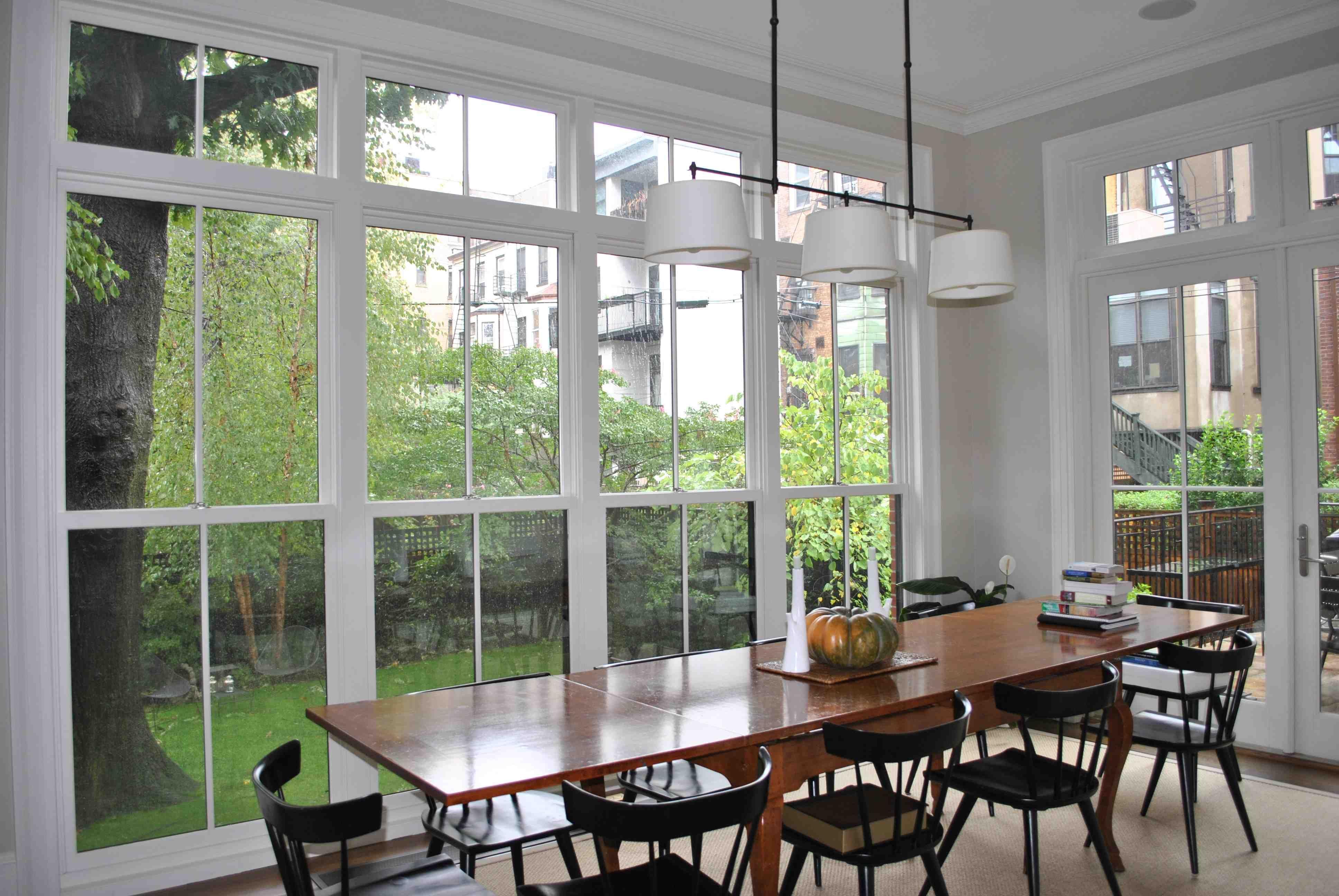 sunny_dining_room.jpg
