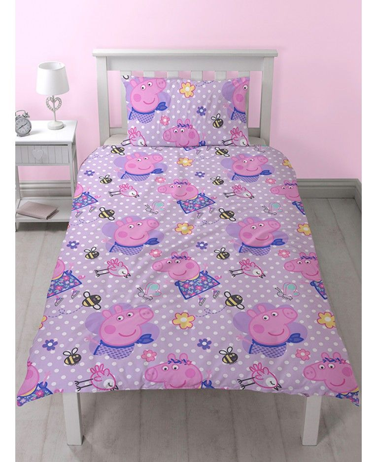 This adorable Peppa Pig Happy single duvet cover set is