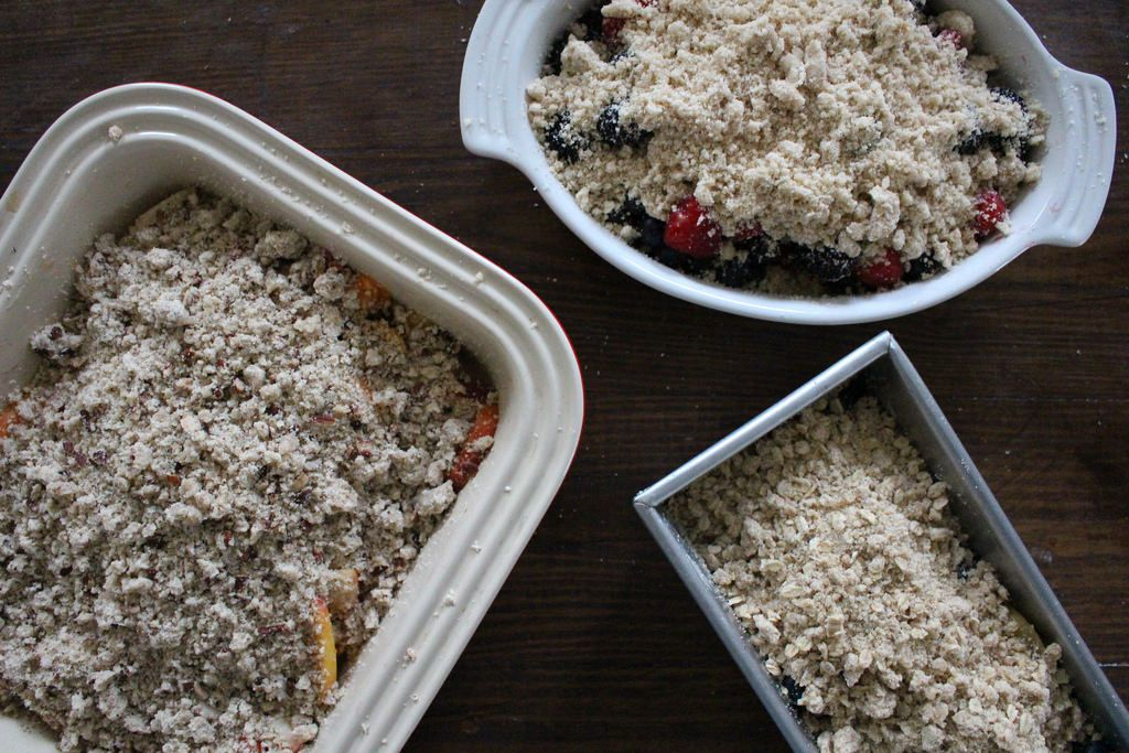 You Can Throw a Fruit Crumble Dessert Party for Just $40