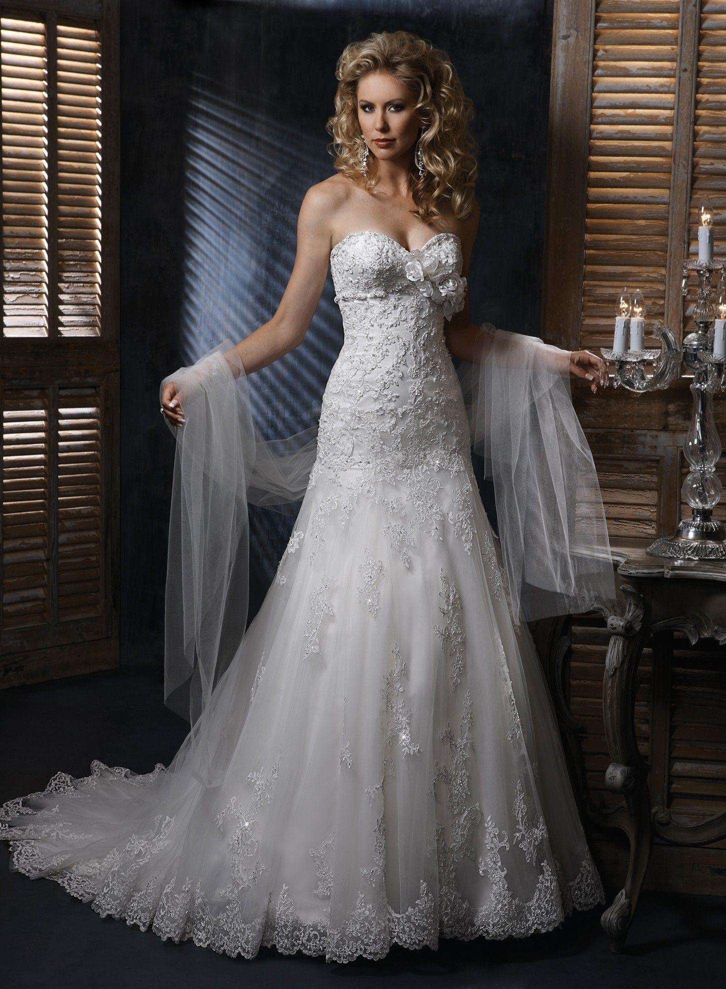 Lace Sweetheart Strapless Neckline A line Wedding Dress