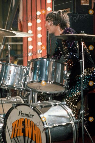 2b5ae77f11016 Keith Moon. Find this Pin and more on Rock ...