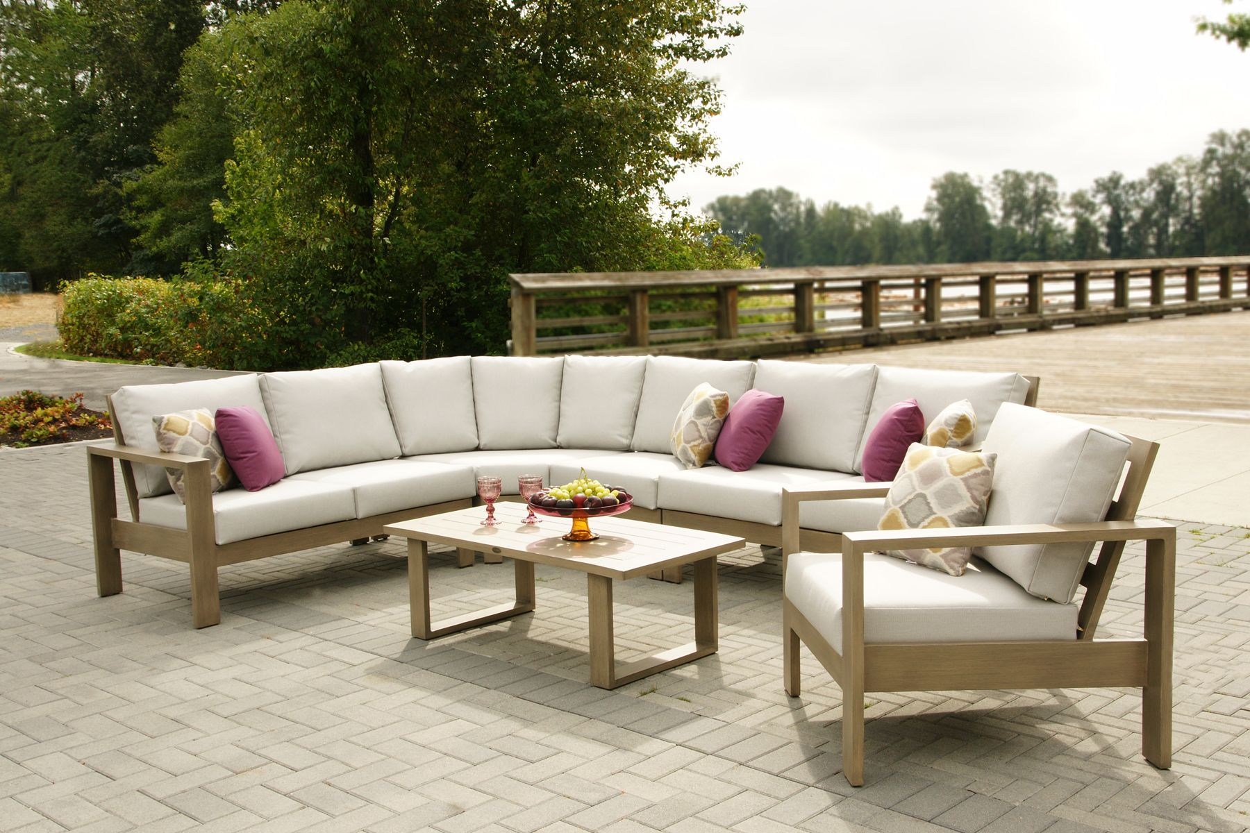 Park Lane Sectional | Www.ratana.com