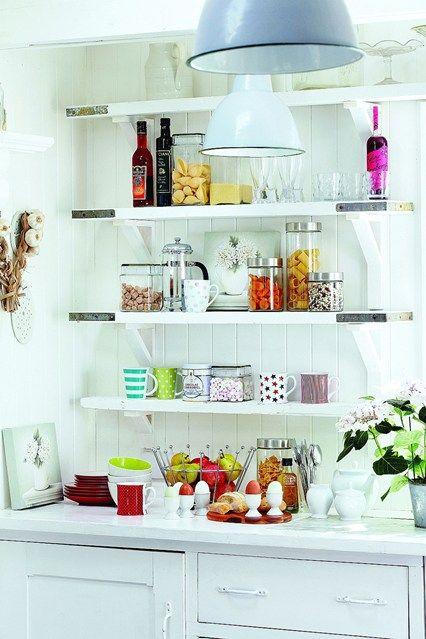 Play and Display | Estantes de la cocina, Diseño cocinas y Cocina blanca