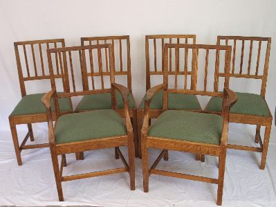Set Of Four Oak Arts Crafts Dining Chairs Antiques Atlas