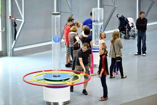http://www.huettinger.de/cms/upload/projekte/Museums_and_Science_Centers/Centrum_Nauki_Experyment/cne4___2sp.jpg