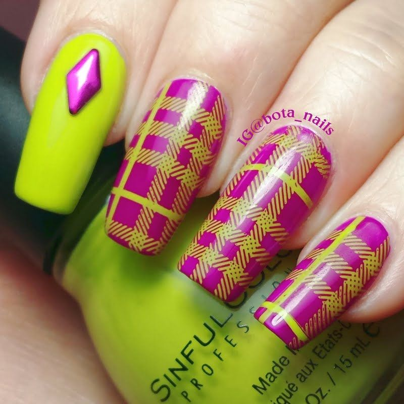 Classic meets trendy best describes this purple nail polish adorned with apple green plaid patterns. Check out the how-tos in achieving this awesome manicure.