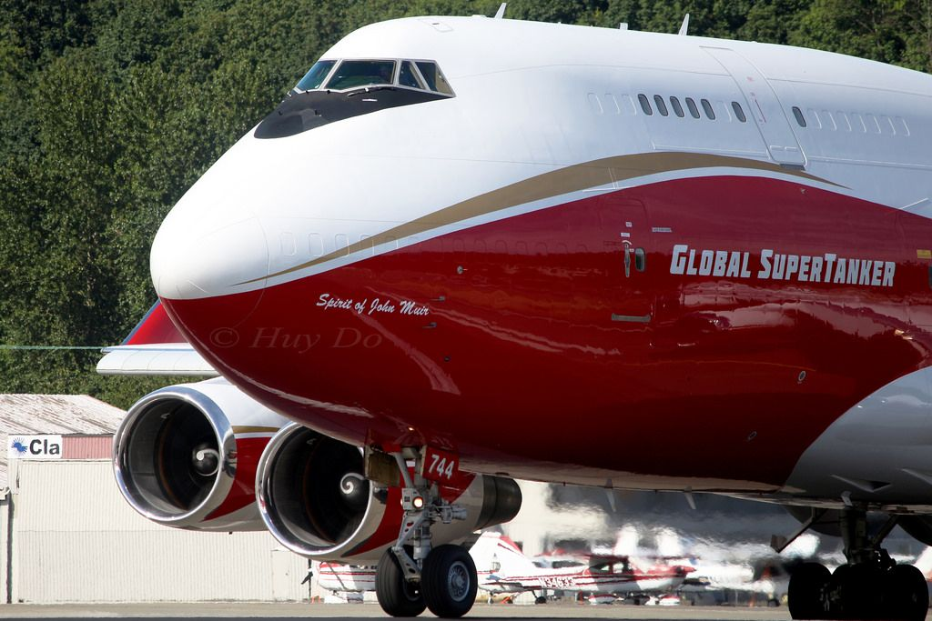 Boeing 747-446BCF Global SuperTanker Service N744ST - Jumbo