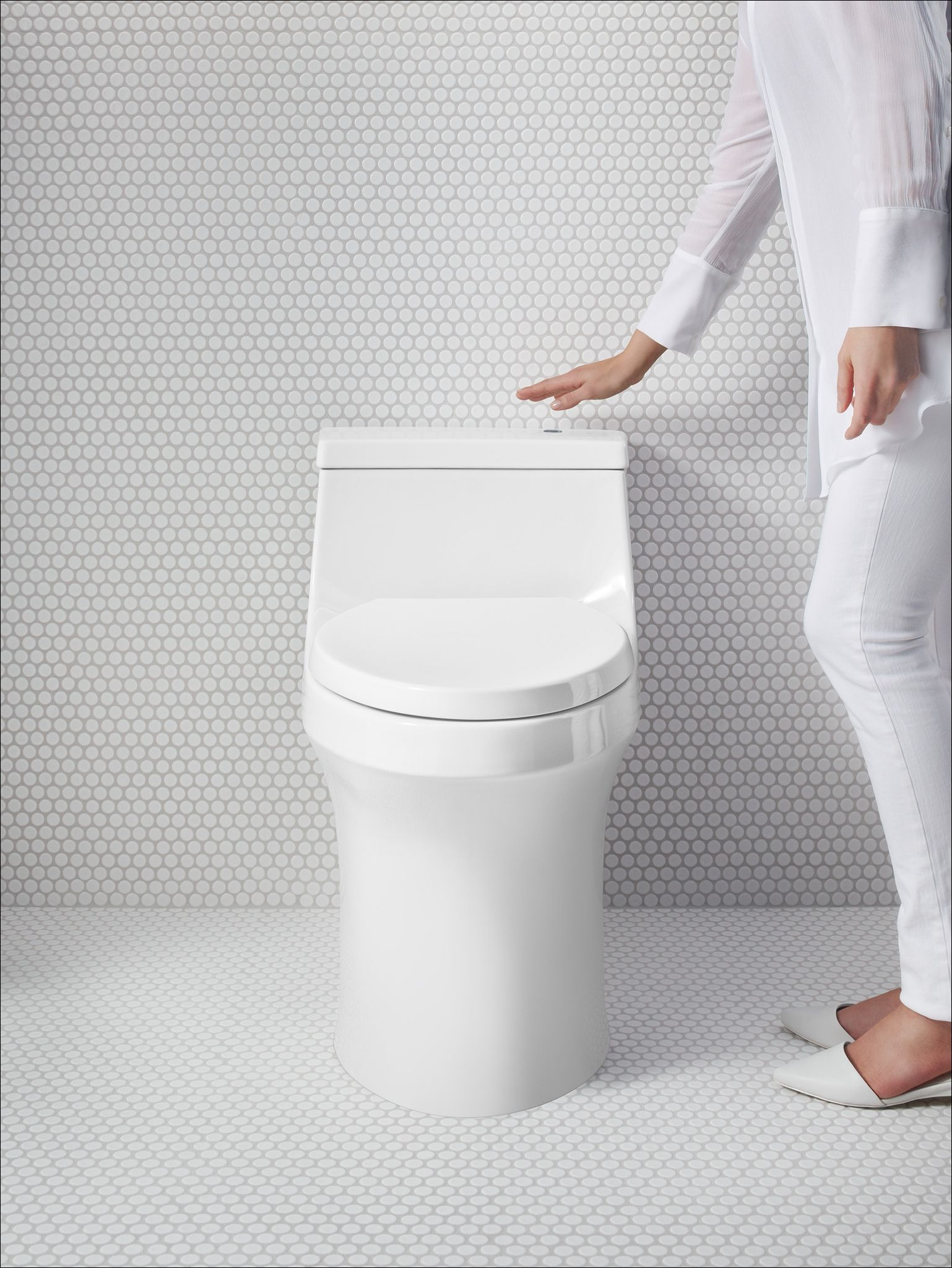 San Souci 1 28 Gpf Elongated One Piece Comfort Height Toilet With Seat And Cover With Touchless And Aquapiston Technologies Toilet Kohler Toilet Kohler