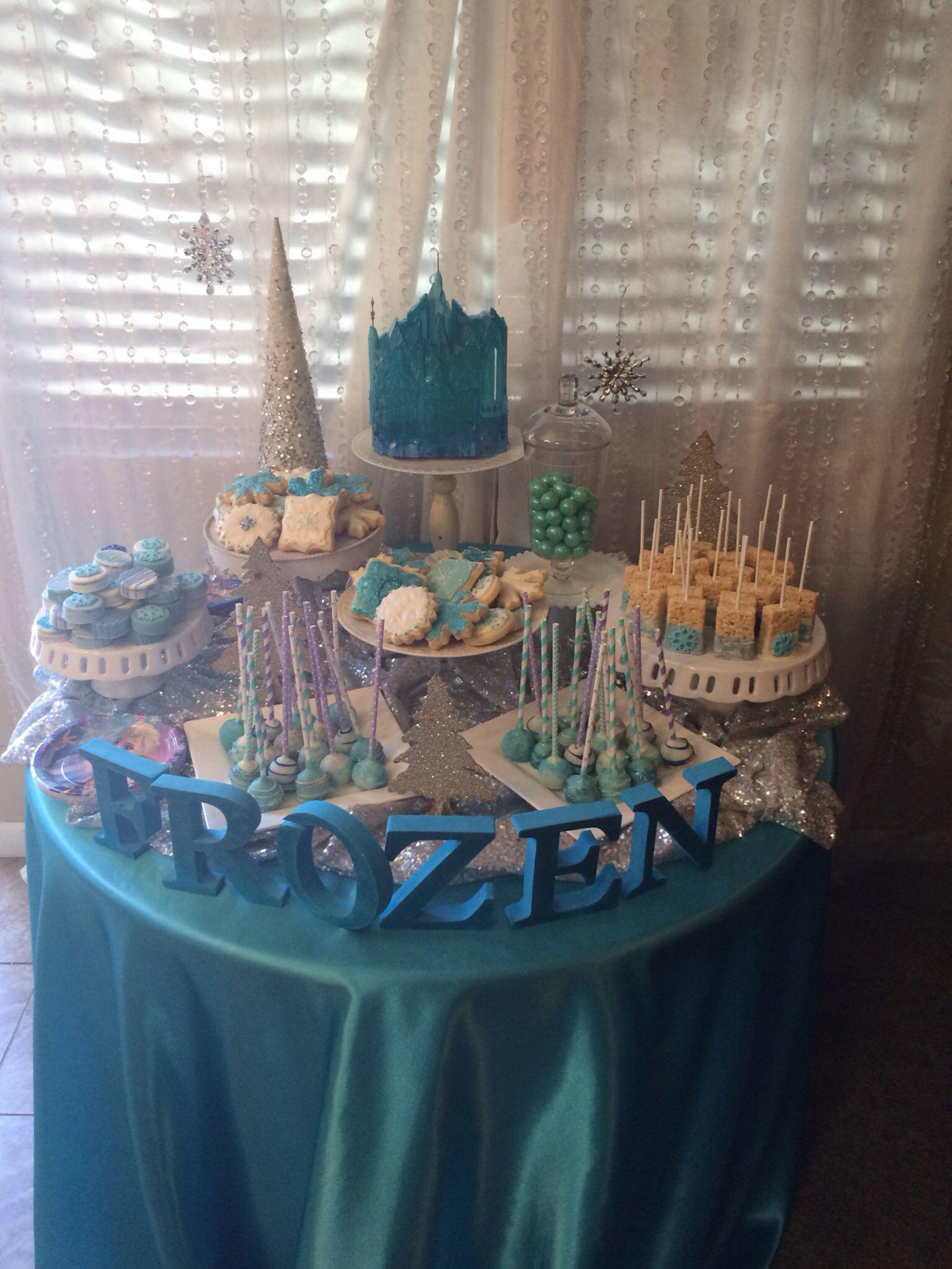 Frozen dessert table | Disney frozen birthday party ...