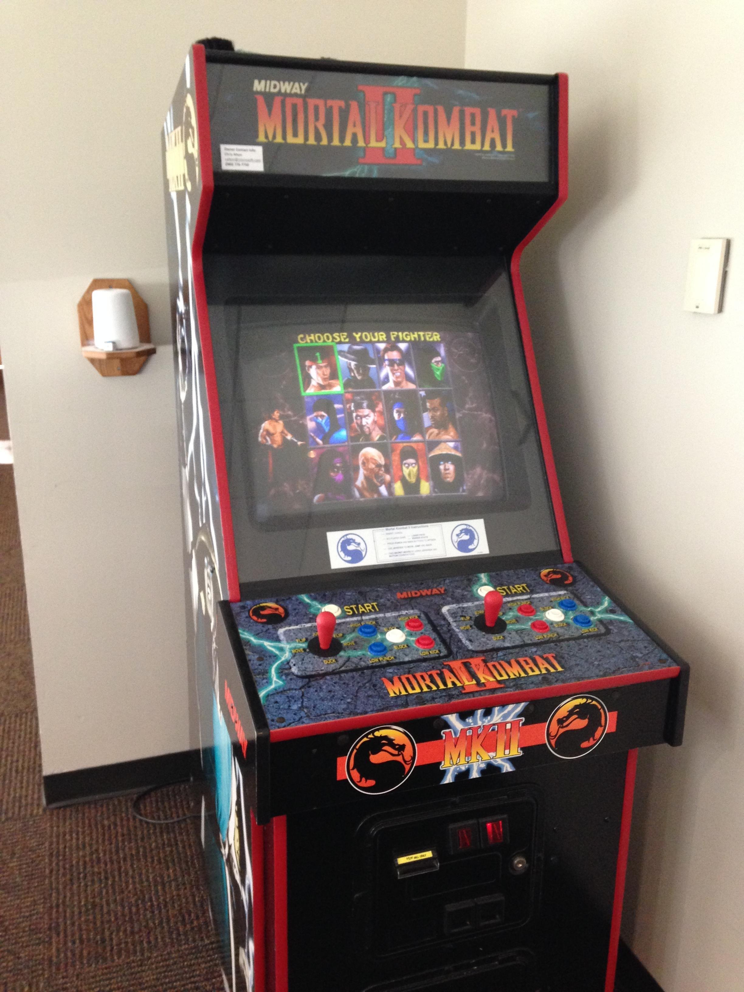 Mortal Kombat Ii Arcade Machine Retro Arcade Games Arcade
