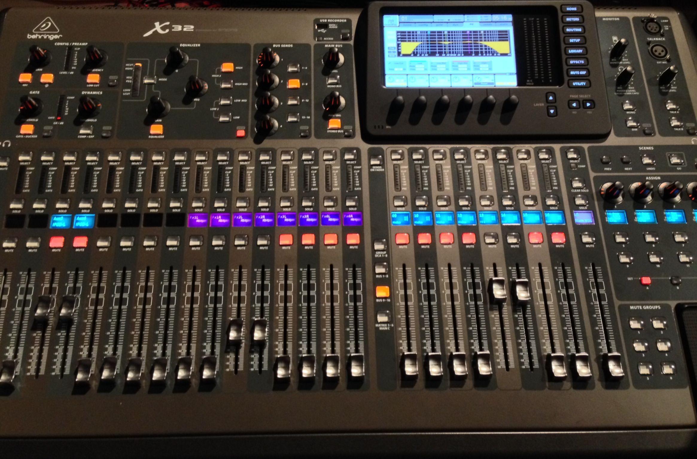 Digital Soundboard Studio Equipment In 2019 Audio