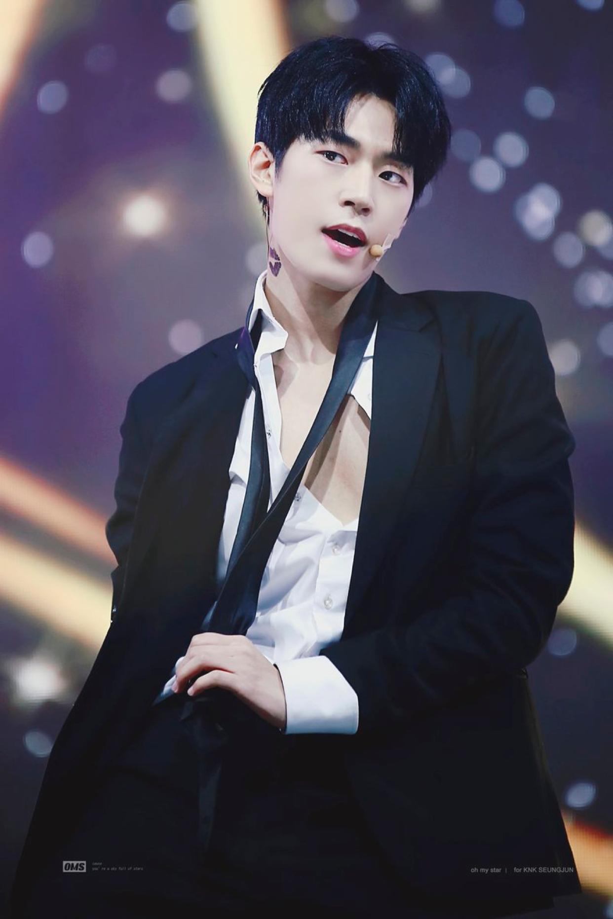 ParkSeungJun #park #Seungjun #KNK #kpop #rapper #visual #mix9 #mixnine #박승준  #승준 #승준짱짱 #크나큰 #팝스타 | Cute korean boys, Knk kpop, Knk seungjun