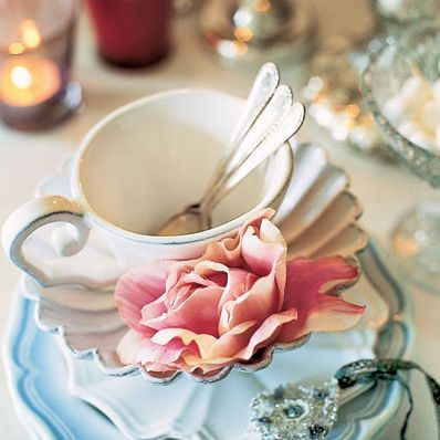 delishdotcom bridal shower tea    Romantic settings