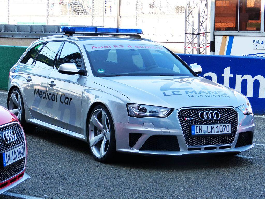 Audi Rs4 Quattro Medical Car Audi Car Audi Wagon