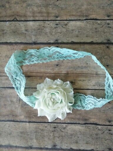 Mint lace with cream flower