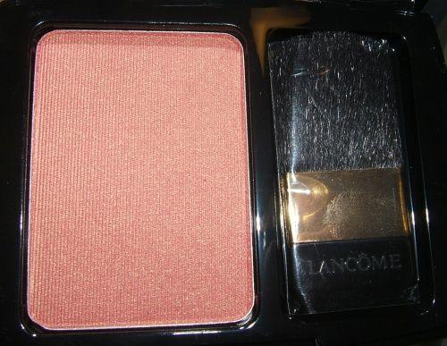 what color blush looks good on fair skin