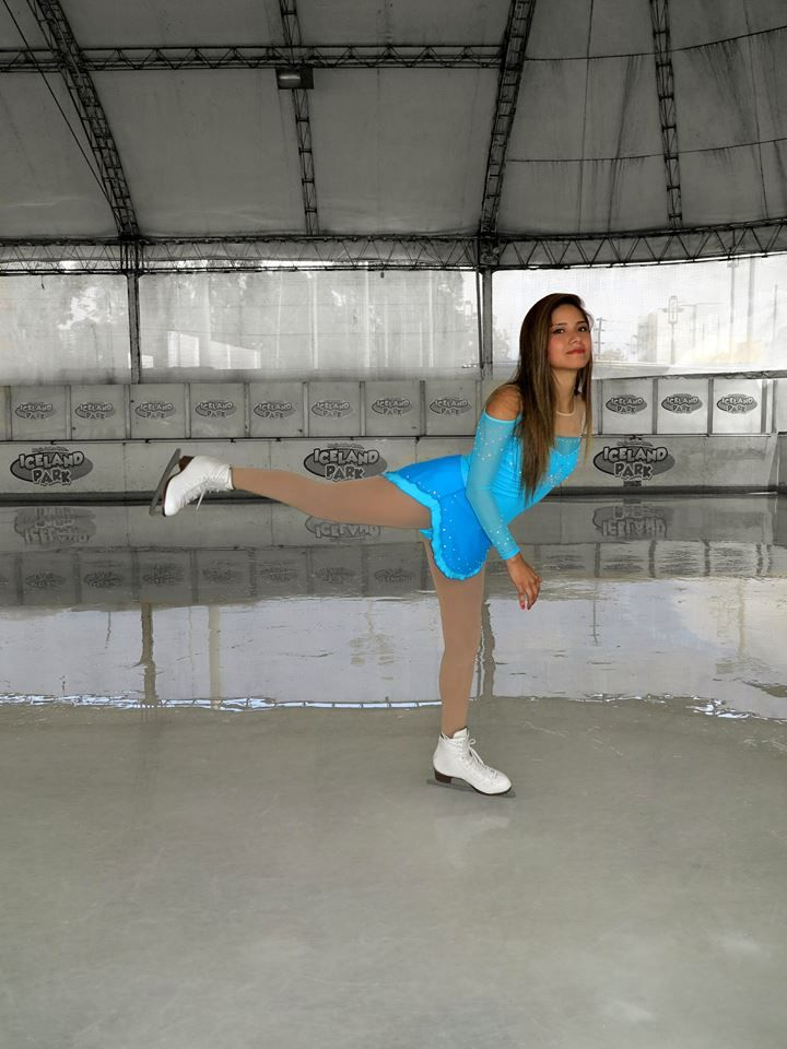Nice designs. Vestidos de patinaje sobre hielo, síguenos en https://www.facebook.com/niceperu