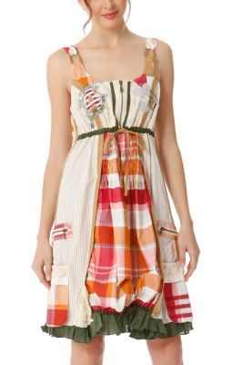 Desigual women's Cloter open weave dress with straps that make it really fresh. Front zip fastening. Adjustable waist using the belt at the back.