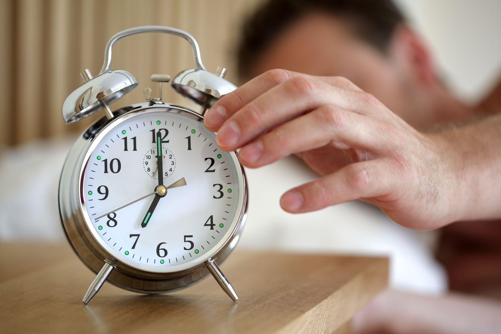 LUNES …¿descansados? ¿listos para comenzar la semana? La postura en la que dormimos determina la calidad de nuestro descanso ¿sabíais que la posición recomendada por los expertos es boca arriba? Facilita la respiración y deja a la espalda relajada, libre de tensiones y esfuerzos.  Y tú ¿cómo duermes?