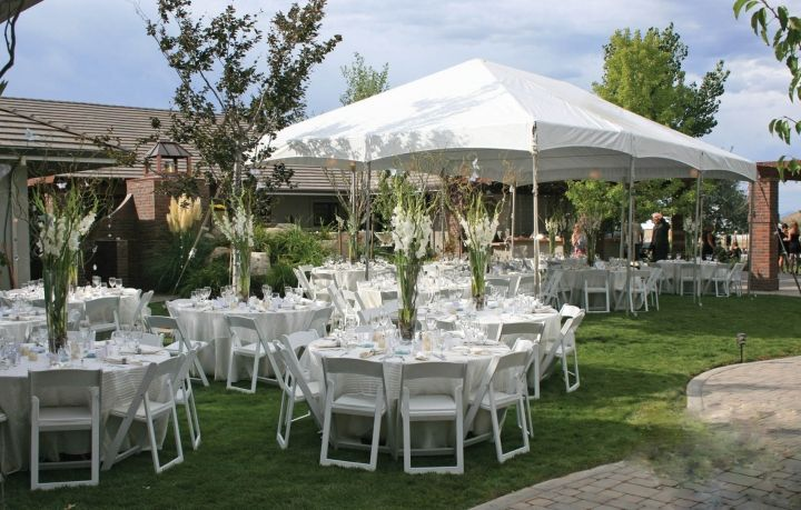 For This Elegant Backyard Wedding Reception Camelot Party Rentals Provided The Tent All White Tables Chairs And Linens Glassware
