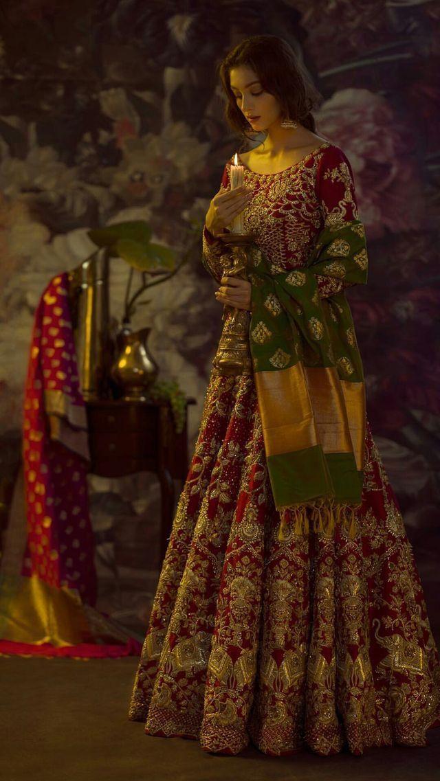 Pin von Aminah A auf bridal and simple lehengas | Pinterest