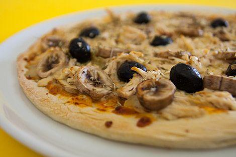 Pizza de Frango com Cogumelos e Banana | SaborIntenso.com