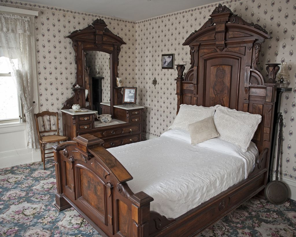 Lizzie Borden House Upstairs Google Search Hotel Bed And