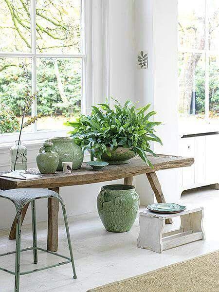 Groen metalen kruk oud raambankje stoofje keramiek vensterbank pinterest roze bloemen - Volwassen kamer decoratie ...