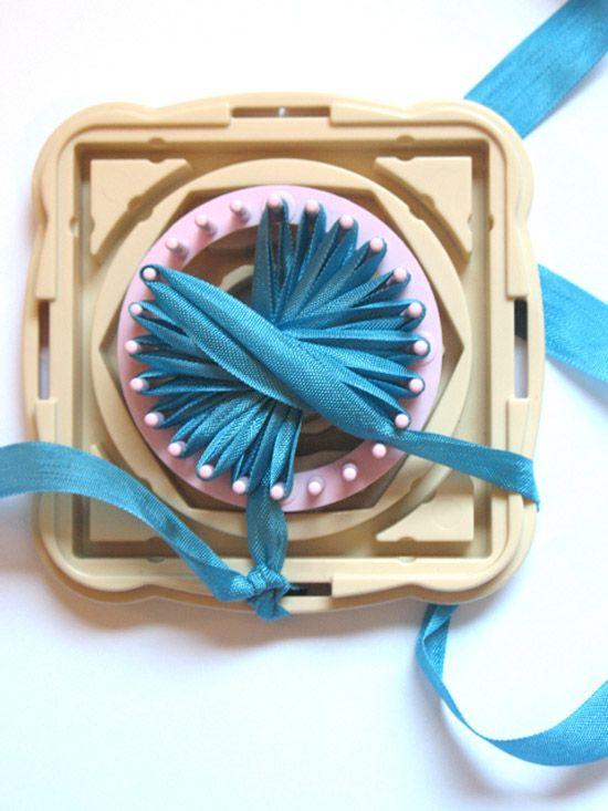 Poppytalk: DIY: Ribbon Loom Flowers Gift Topper + Broach