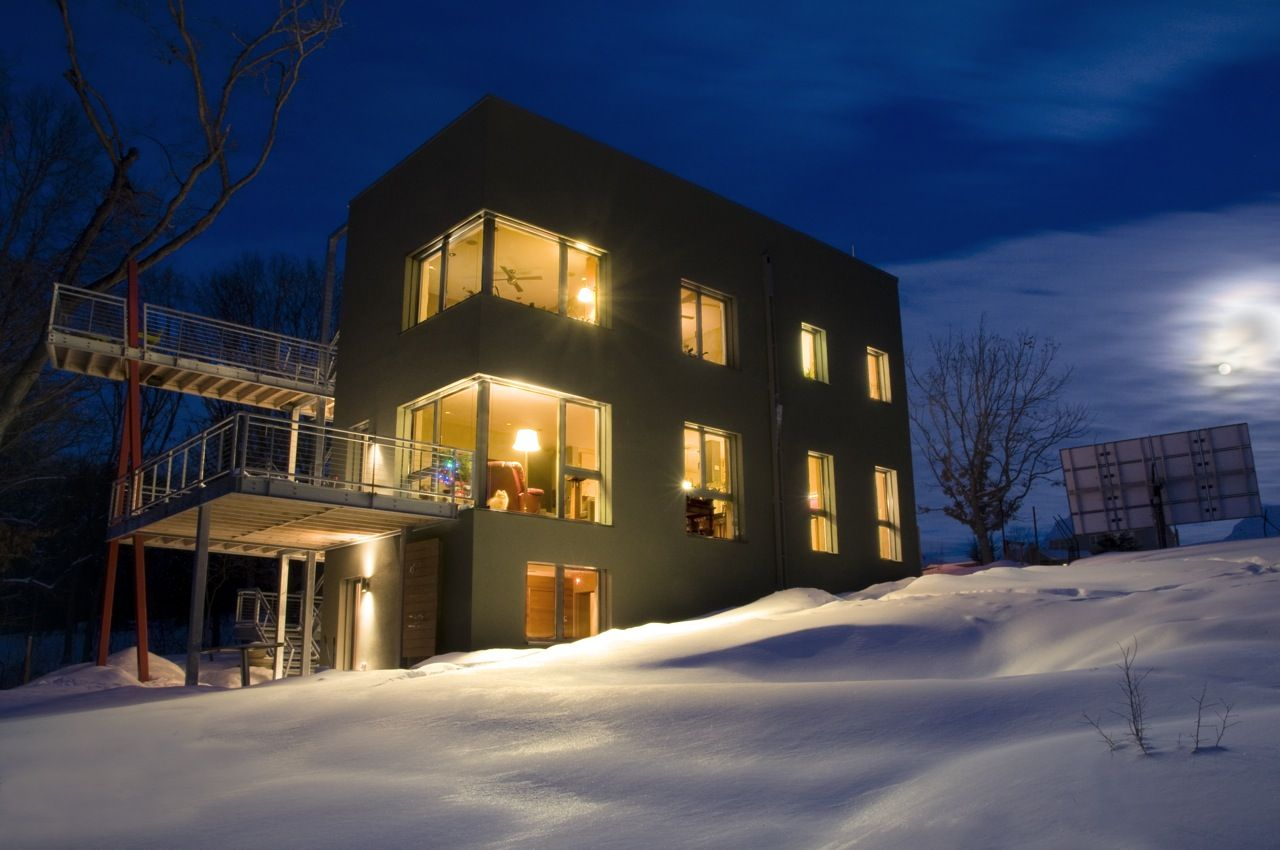 Passive Solar Home Has No Furnace and Uses 90% Less Electricity to ...