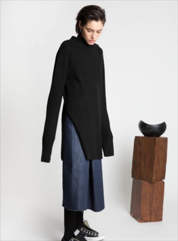 Black Long Ribbed Knit Tunic Top