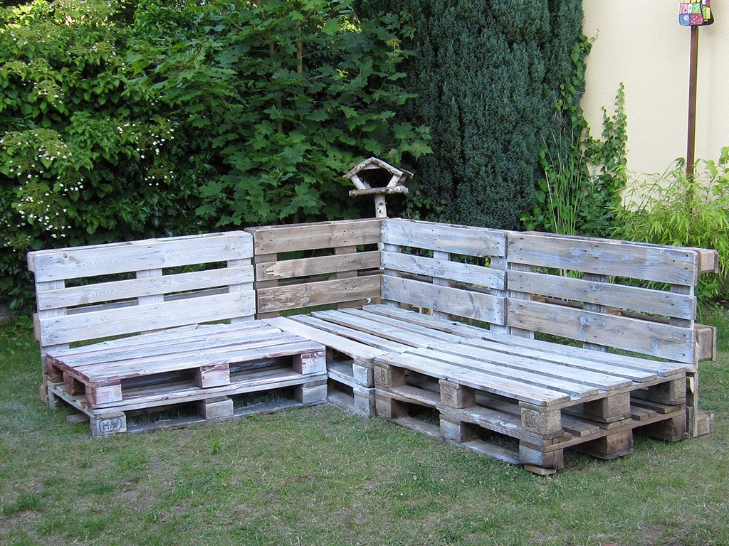 pallet corner bench - Google Search | harisson ford ...