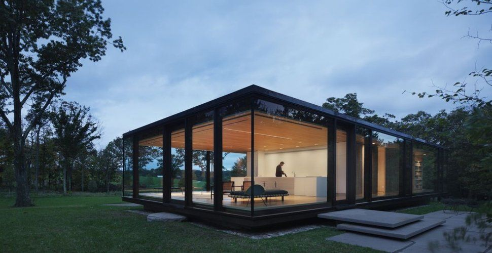 Steel Frame Sustainable Weekend House with All-glass Facade