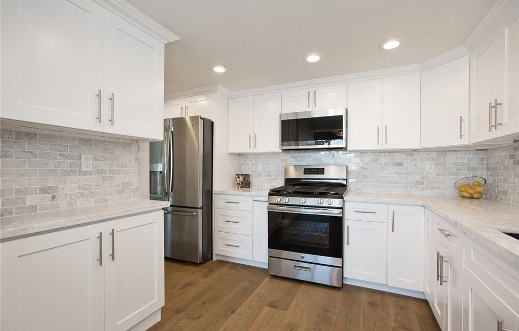 Best Hampton White Shaker Kitchen Cabinet White Shaker 400 x 300