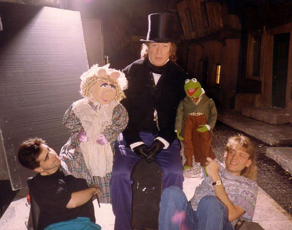 The Muppet Christmas Carol.45 Awesome Behind The Scenes Photos Of Muppets And