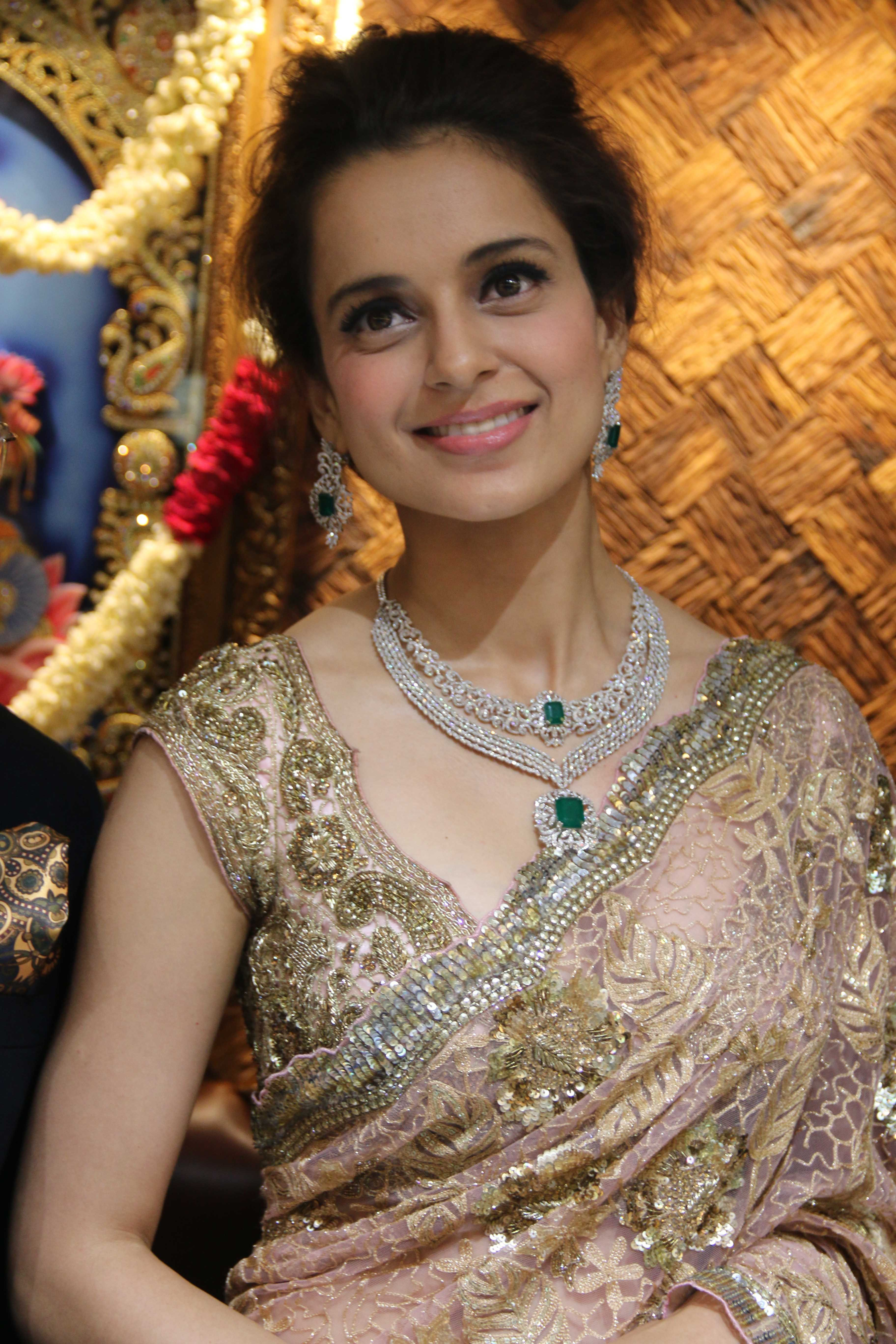 Kangana In Lovely Saree Queen Kangana In 2019 Jewelry