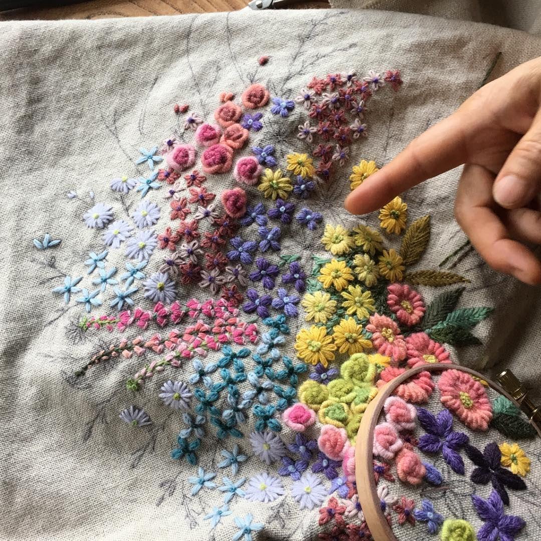 더운 여름에 수놓는 울 자수#프랑스자수#꽃#야생화자수#더위사냥#자수수업#더위야 물럿거라~~~#embroidery #handmade