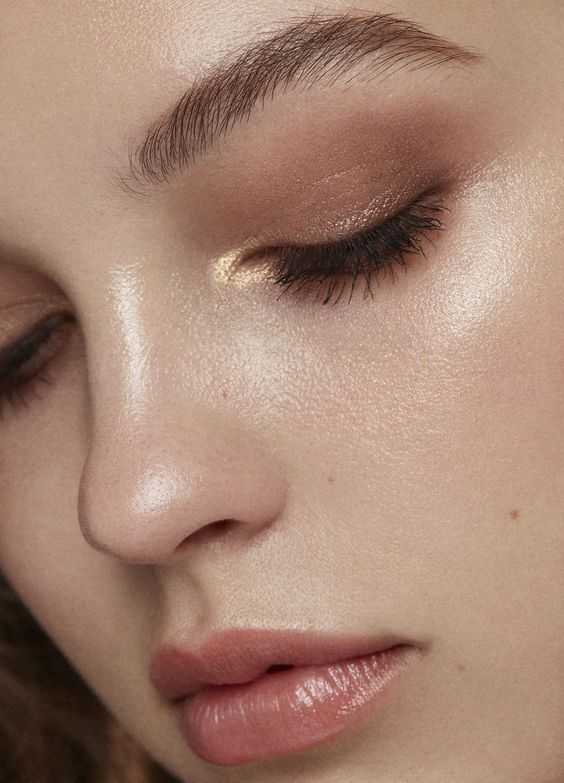 Photo of Herbst Make-up inspiriert vom Minimalismus Trend | Clothia-#clothia #herbst #ins…