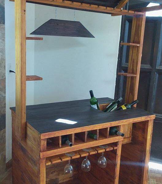 Hermosa cantina bar para todo tipo de espacios y for Bar hecho en madera
