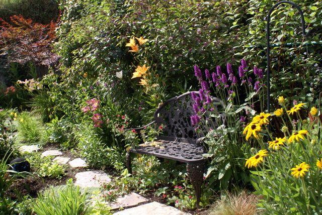 Recueillement et spiritualité (Créer un jardin de curé ...