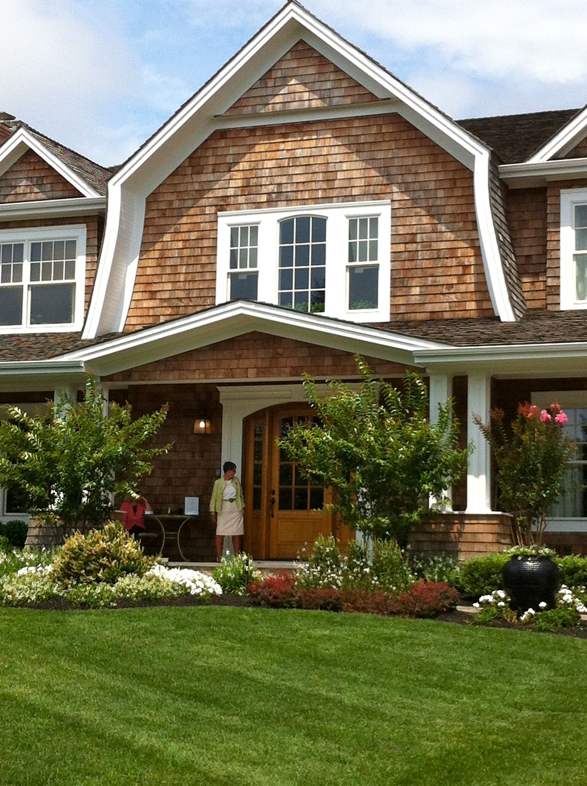 Best Hamptons Style Gambrel Roof Google Search Exteriors 400 x 300