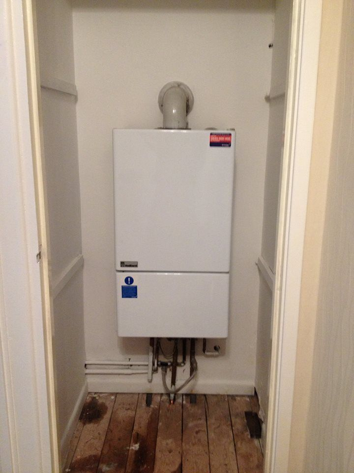An old, \'G\' rated Vaillant boiler | Heizung | Pinterest | Gas boiler