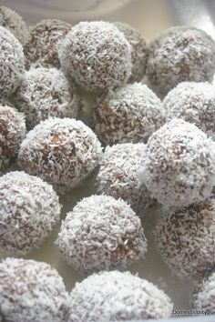 Weetbix Chocolate Truffles Chocolate Truffles Rum Balls Truffle Recipe Christmas