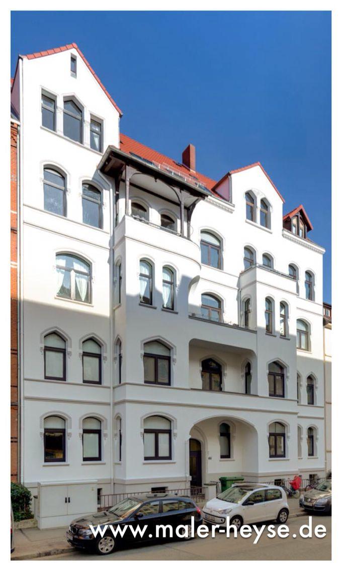 Umfangreiche Fassadensanierung An Einer Stilfassade Von